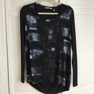 Tahari Printed Tunic Blouse EUC @